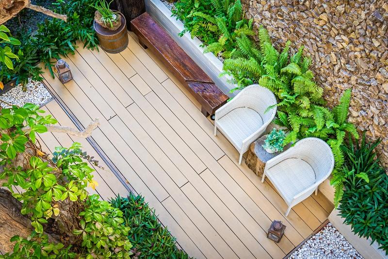 Ciekawe pomysły na podwórkowe patio.